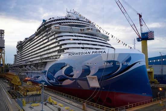 「ノルウェージャン プリマ」がヴェネツィアで進水 初クルーズは2022年夏に予定